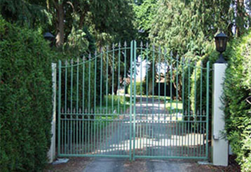 Different Driveway Gate Materials | Roll Up Door Repair Manhattan, NY